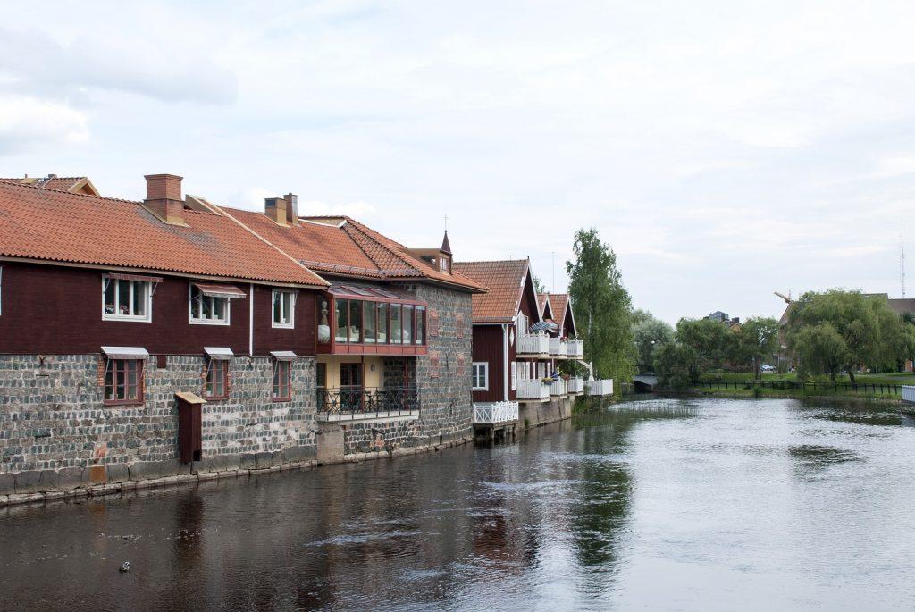 Falun Bild Hus vid vatten