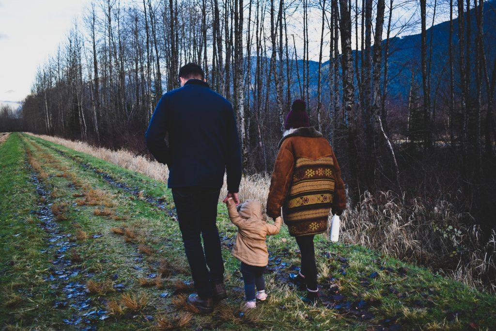 Familj på timmerväg